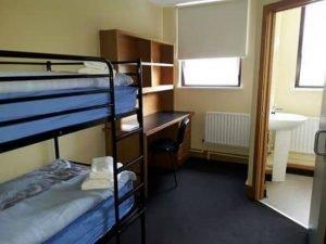 Dormitorio del campamento en Irlanda