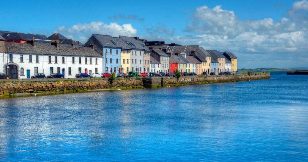 Cursos de inglés para mayores en Galway Irlanda 30+