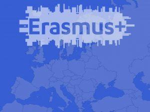 imagen de Europa con el texto erasmus plus