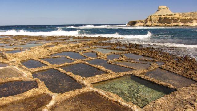 Salinas de Gozo por la costa | Inglés Ya